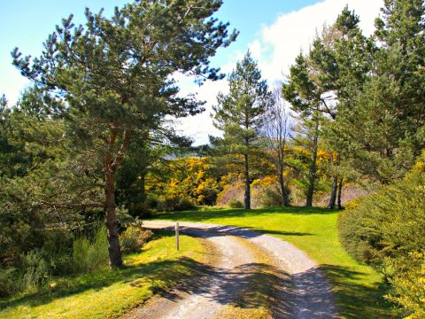 Private drive down to Ceol Mor B&B