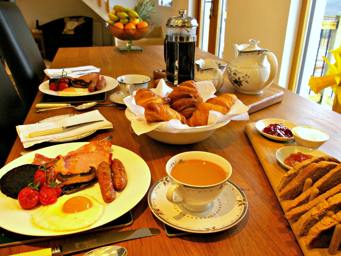 Full cooked breakfast at Ceol Mor B&B using local ingredients