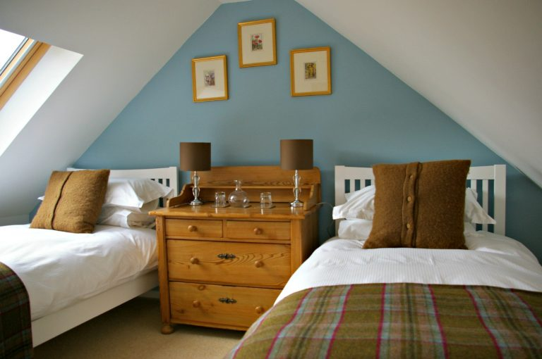 Oykel twin bedroom at Ceol Mor B&B